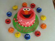 Add matching cupcakes!
