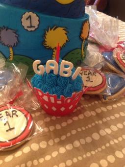 Cupcakes make great smash cakes